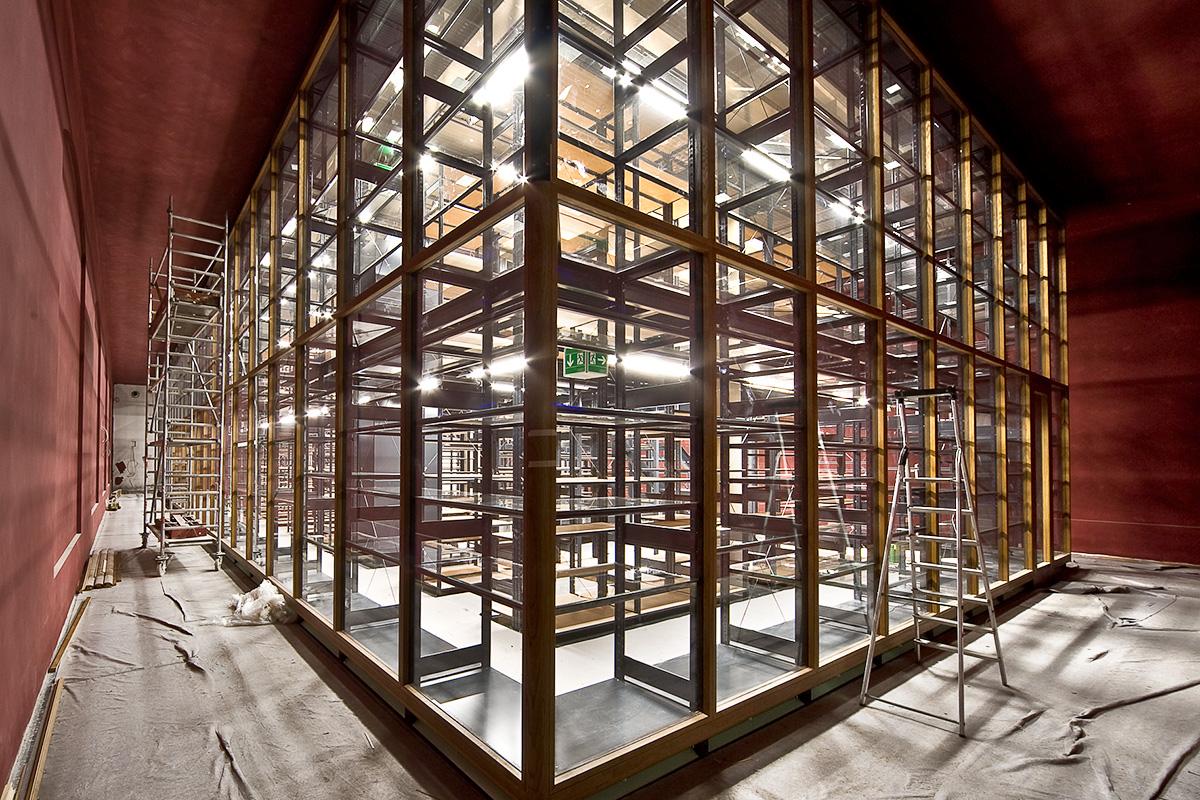 Das Foto zeigt den Bau des Sammlungsgebäudes für die Forschungssammlungen kurz vor Fertigstellung.
