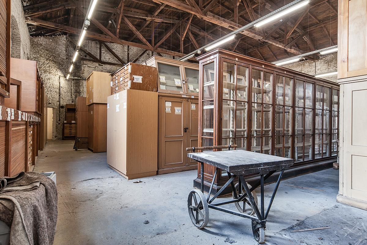 Alter Karbonsaal mit provisorischem Holzdach