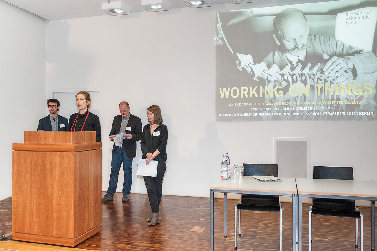 Marco Tamborini, Ina Heumann, Holger Stoecker und Mareike Vennen heißen Tagungsgäste willkommen.