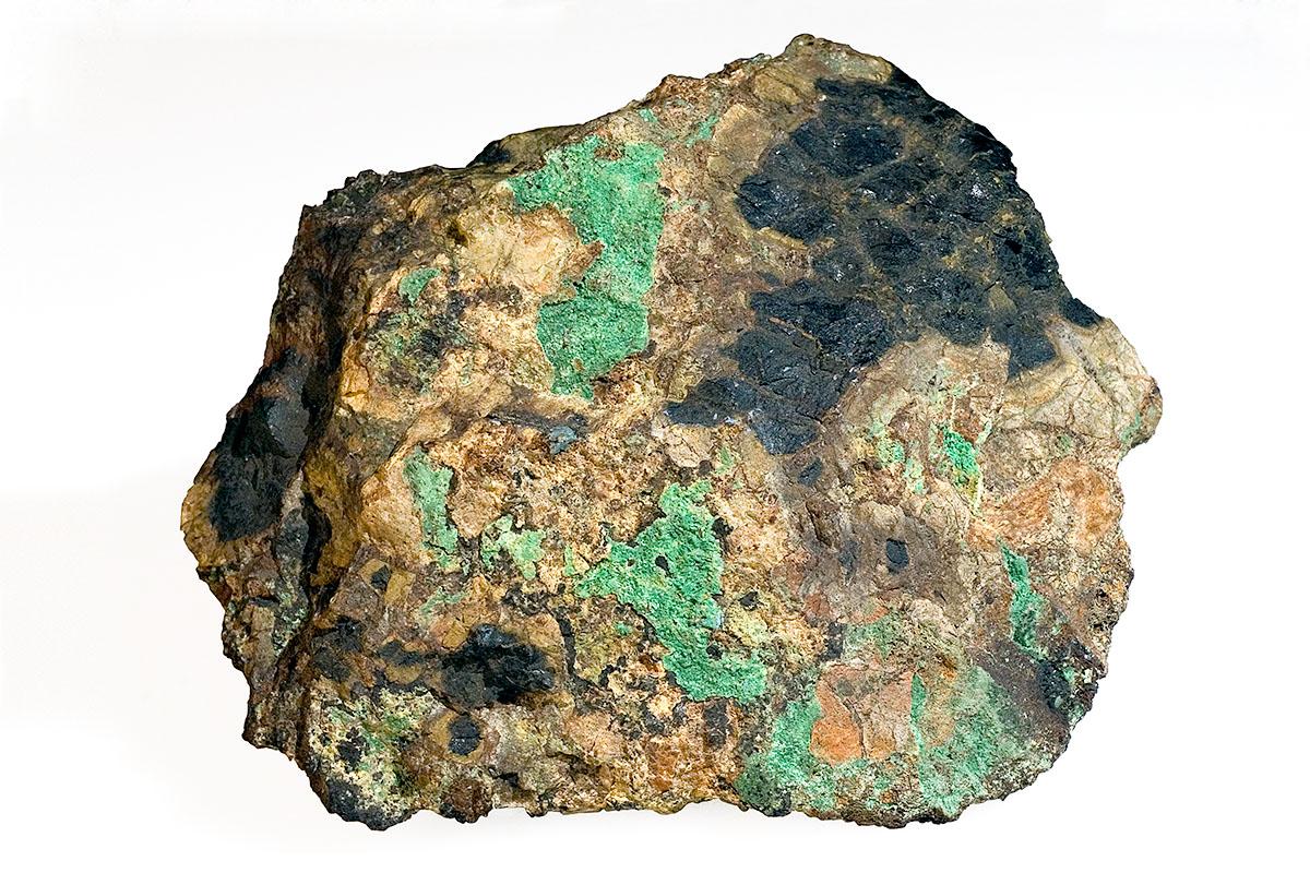 Das Foto zeigt Uraninit (Pechblende) aus der Mineraliensammlung des Museums für Naturkunde.